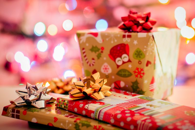 Did you know that 80% of people are unhappy with their Christmas Gifts? What is the perfect gift? Read here to find out www.connygraf.com