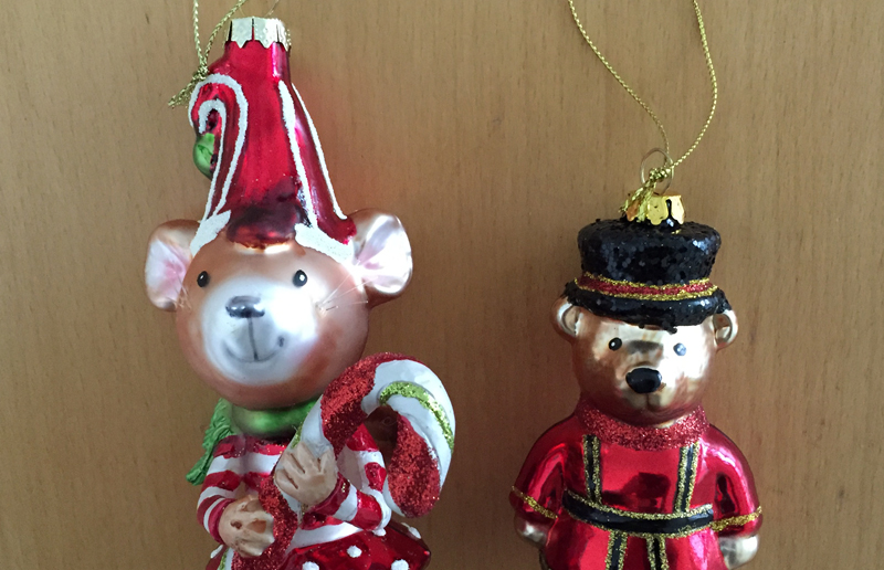 Why now is only the second best time to declutter christmas ornaments. http://connygraf.com